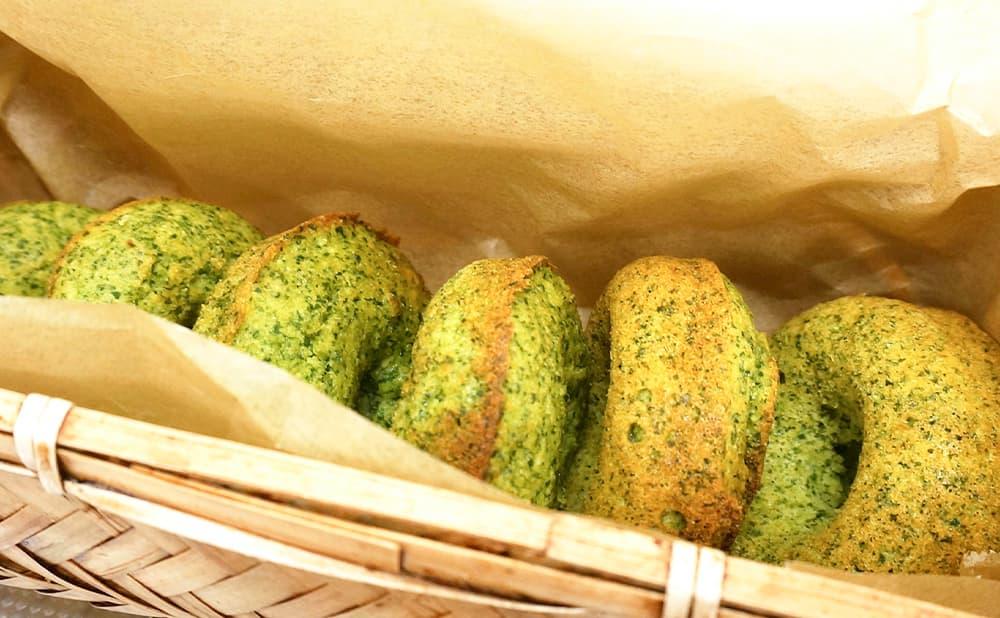 伝統菜「川俣菜」を使用したドーナツ